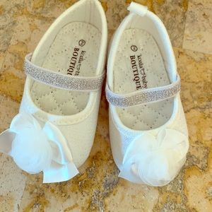Other - White sparkly girls baby shoes